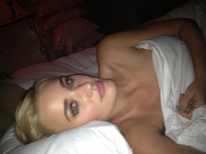 Michalka Sisters nude desnuda hot pics (12)