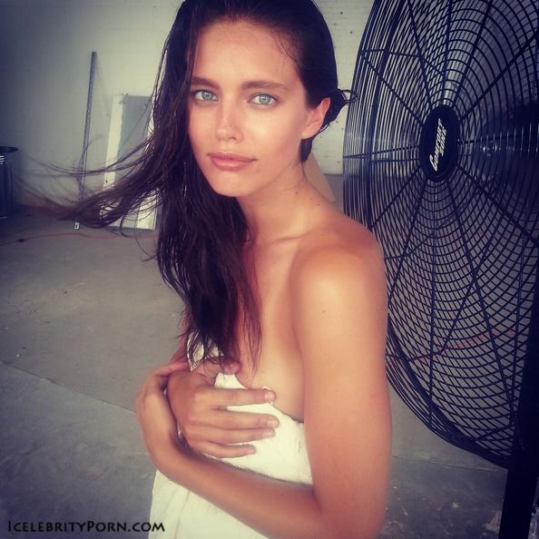 Emily Didonato nude porn xxx hot pics descuidos desnuda (10)