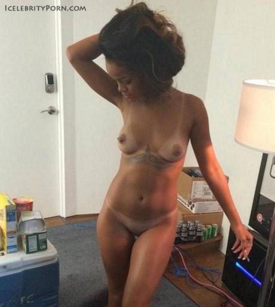 Rihanna NUDE DESNUDA HOT PICS porno xxx caliente fotos filtradas dollando posando (1)
