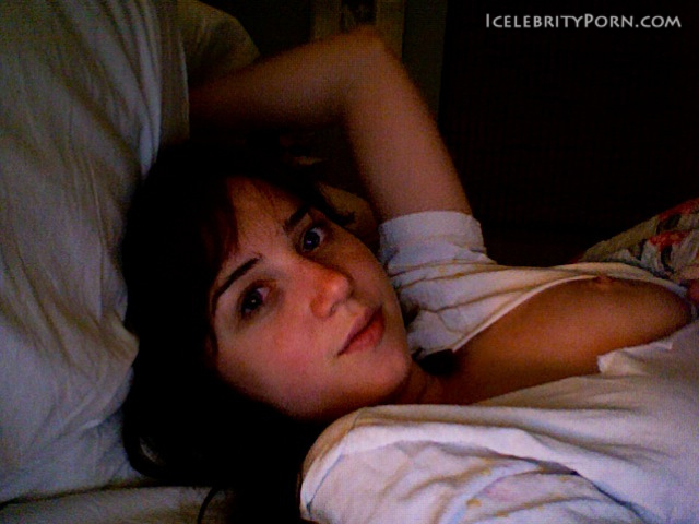 Zoe Kazan nude desnuda xxx hot pics nude pics (16)
