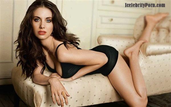 alison Brie desnuda follando xxx porno masturbandoce hot sexy nude porn video