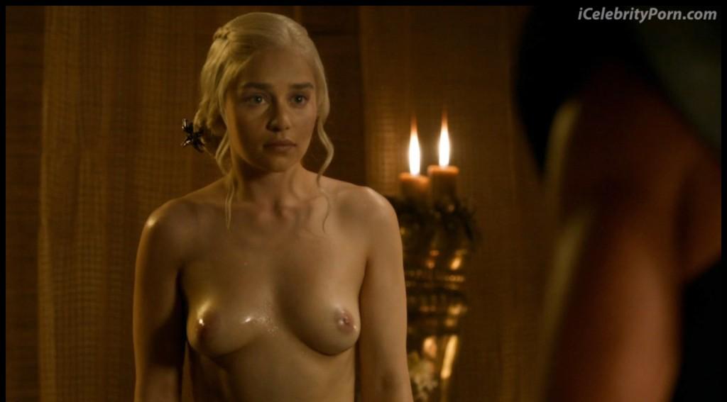 Game-Of-Trones-Nude-Desnudo-Emilia-Clarke-Desnuda-Fake-Hot-Sexy-escenas-calientes-porno-xxx-juego-de-tronos (20)