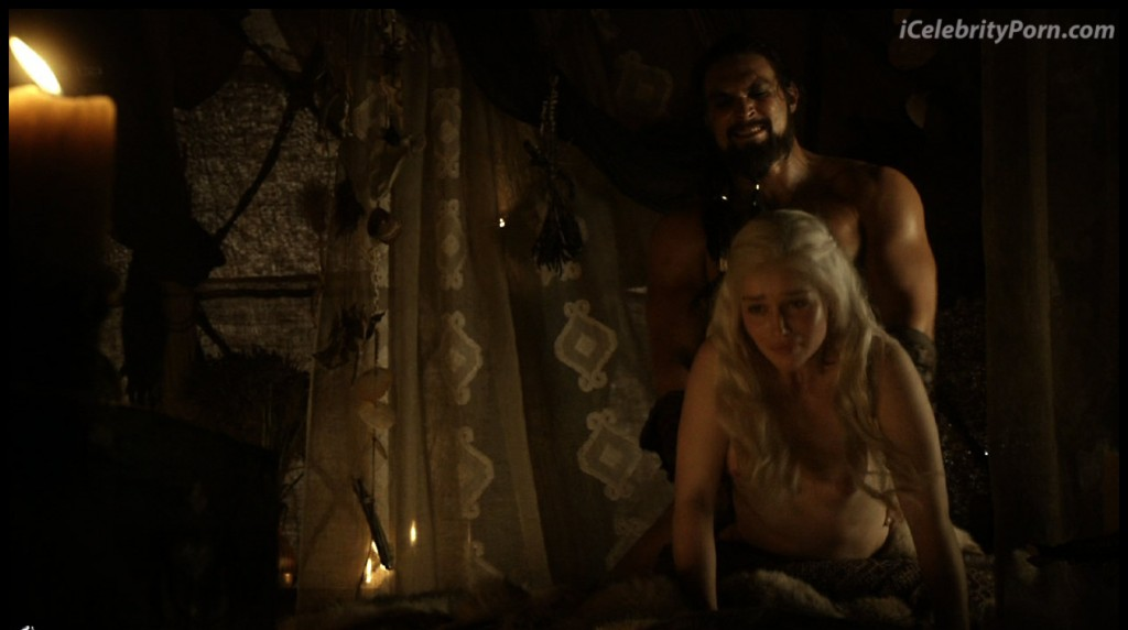 Game-Of-Trones-Nude-Desnudo-Emilia-Clarke-Desnuda-Fake-Hot-Sexy-escenas-calientes-porno-xxx-juego-de-tronos (26)