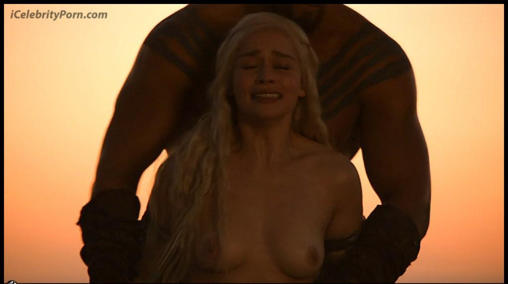 Game-Of-Trones-Nude-Desnudo-Emilia-Clarke-Desnuda-Fake-Hot-Sexy-escenas-calientes-porno-xxx-juego-de-tronos (6)
