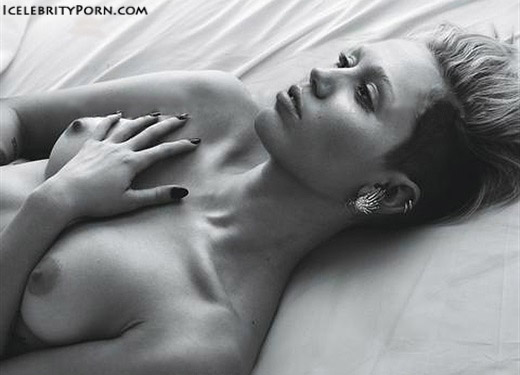 Miley Cyrus nude desnuda xxx hot pics video porno  (34)