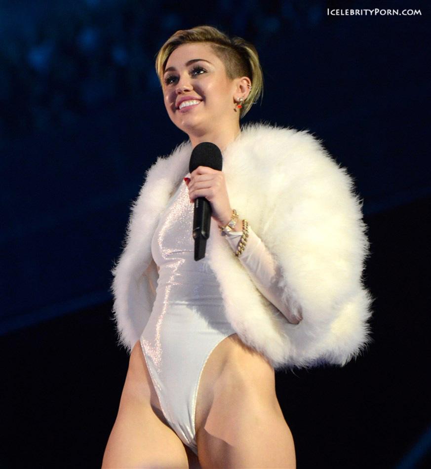 Miley Cyrus nude desnuda xxx hot pics video porno  (47)