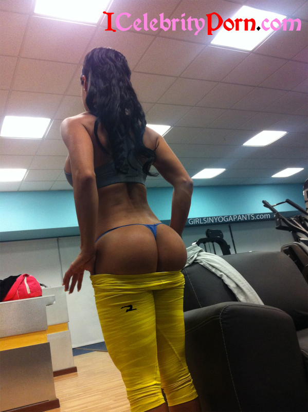 Sexys Mujeres Haciendo Yoga Hot  (16)