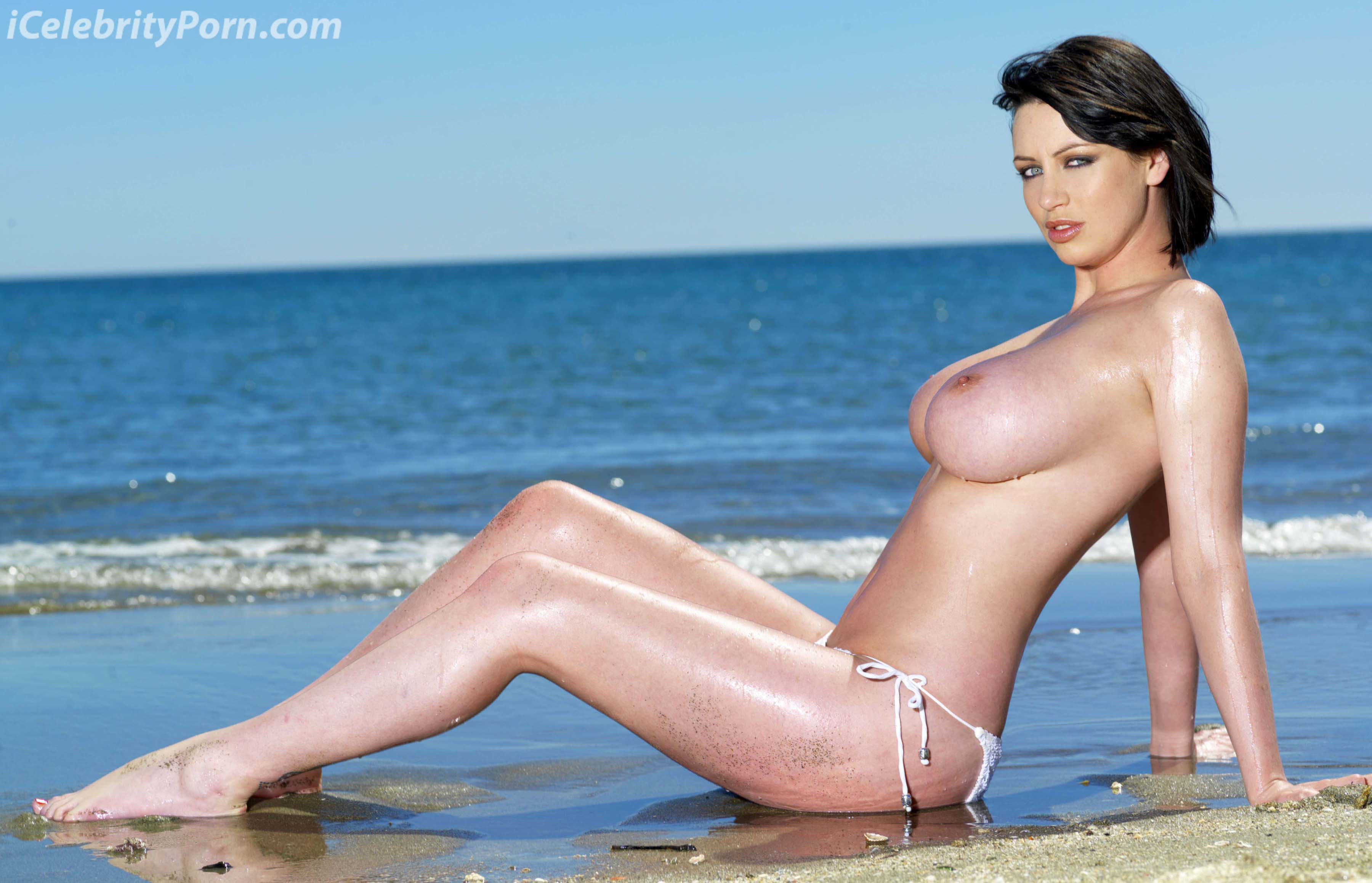**Exclusive** Glamour girl Sophie Howard posing at the beach Spain - 15.12.08 **Available for publication in Germany, Belgium, Holland, Luxembourg, China, Japan. Not for publication in the rest of the world. No Internet Use** Credit: Popstar/WENN.com