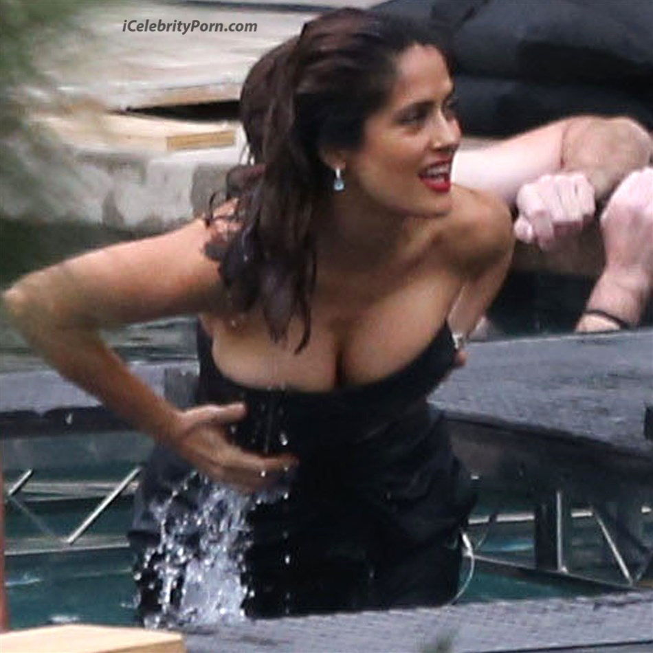 Salma Hayek Descuidos Sexys Video Porno Salma Hayek y Sus Descuidos Sexys Video Porno xxx (8)