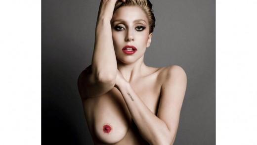 famosa follando desnuda: