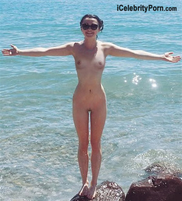 Maisie Williams xxx Video Game of Trone icelebrityporncom