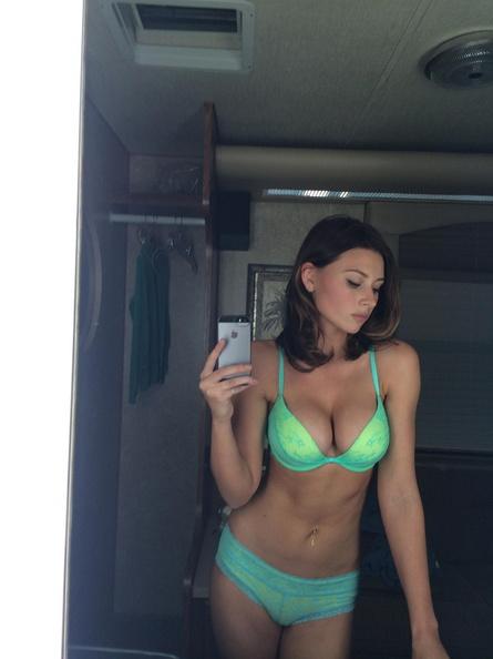 Michalka Sisters nude desnuda hot pics (16)
