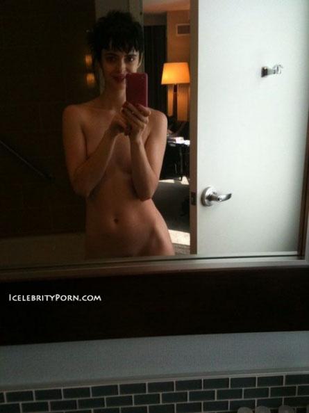 Krysten Ritter nude desnuda fotos xxx de la famosa tomadas frente al espejo