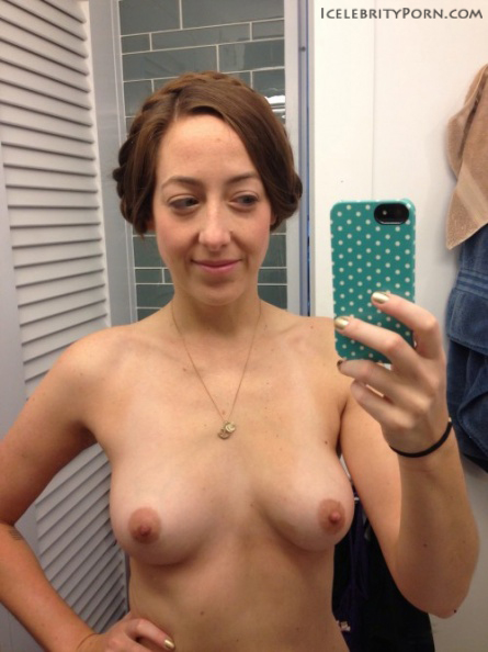 Sarah Schneider nude desnuda (2)