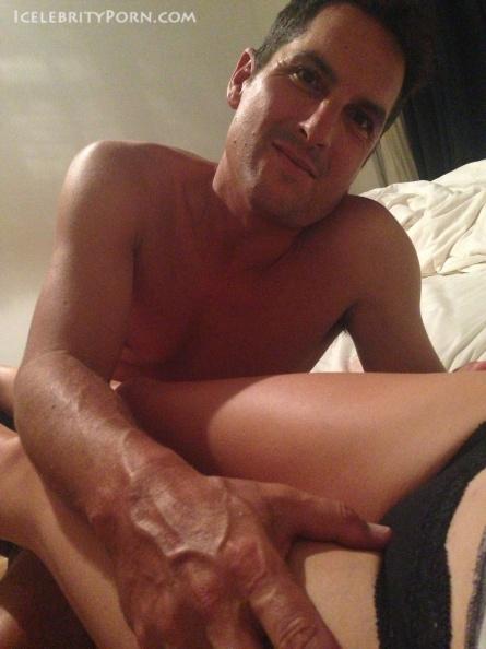Yvonne Strahovski nude desnuda hot pics (6)