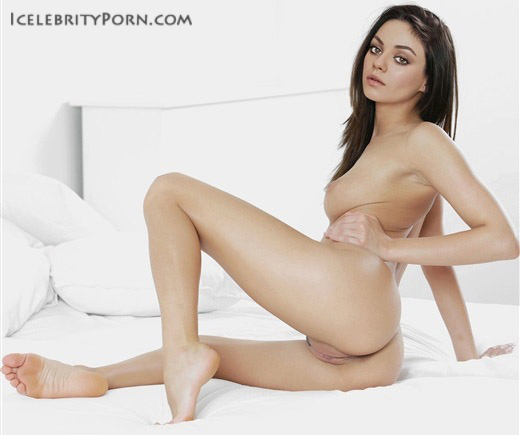 Mila Kunis porno xxx desnuda nude hot caliente hacker sin censura fotos intimas video fake shit big (21)