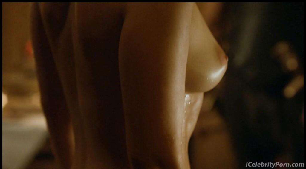 Game-Of-Trones-Nude-Desnudo-Emilia-Clarke-Desnuda-Fake-Hot-Sexy-escenas-calientes-porno-xxx-juego-de-tronos (22)