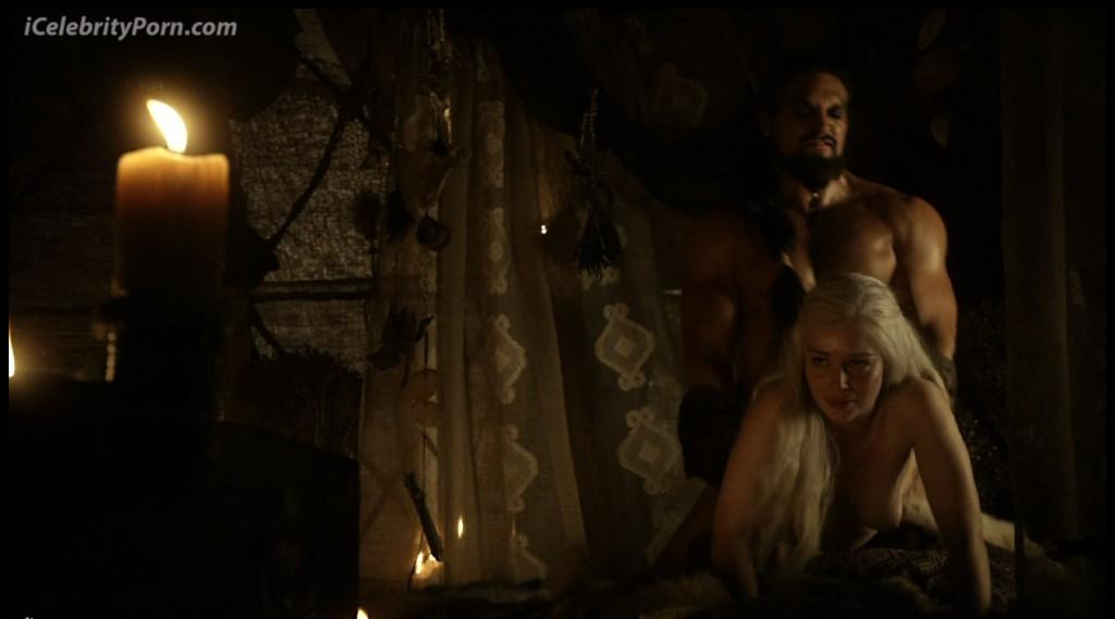 Game-Of-Trones-Nude-Desnudo-Emilia-Clarke-Desnuda-Fake-Hot-Sexy-escenas-calientes-porno-xxx-juego-de-tronos (25)