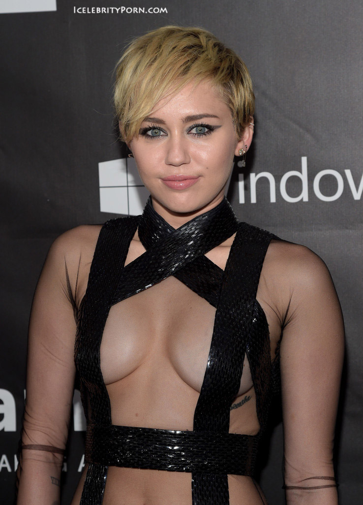 Miley Cyrus nude desnuda xxx hot pics video porno  (42)