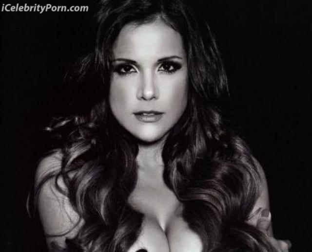 Monica Sanchez xx Porno Calzon Al fondo hay sitio Fotos sexys sensuales porno video xxx masturbandose cachando (5)