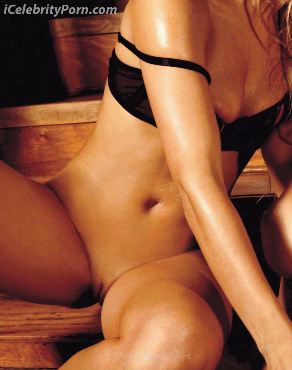 Yamila Piñeiro y Paula Avila Desnudas xxx Porno follando secion de fotos sexy puta lesbiana perra desnuda cachando video xxx (11)