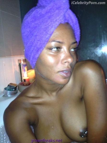 Eva Marcille xxx Desnuda Fotos intimas Toples- sex-tape-ducha-senos-vagina-desnudaxxx-sexo-masturbada-bañera-ducha-baño-toples.calzon (3)