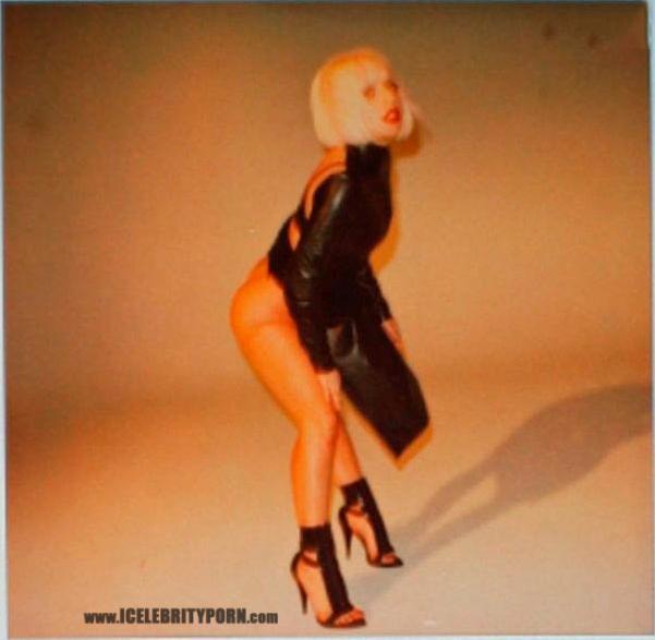 Famosa Lady Gaga Desnuda Fotos Sexuales xxx-pornografia-hacker-filtradas-robadas-movil-cantantes-upskin-follando-video-cogiendo-sexo-tetas-vagina (29)