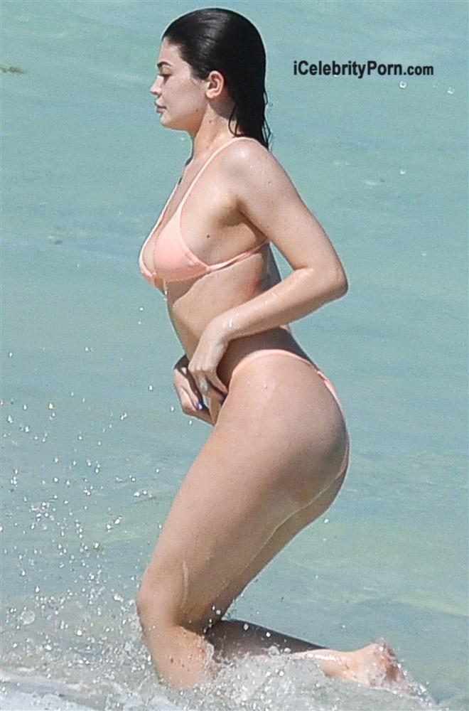 kylie-jenner-en-bokini-famosas-actrices-desnudas-modelos-usa-hot-xxx-7