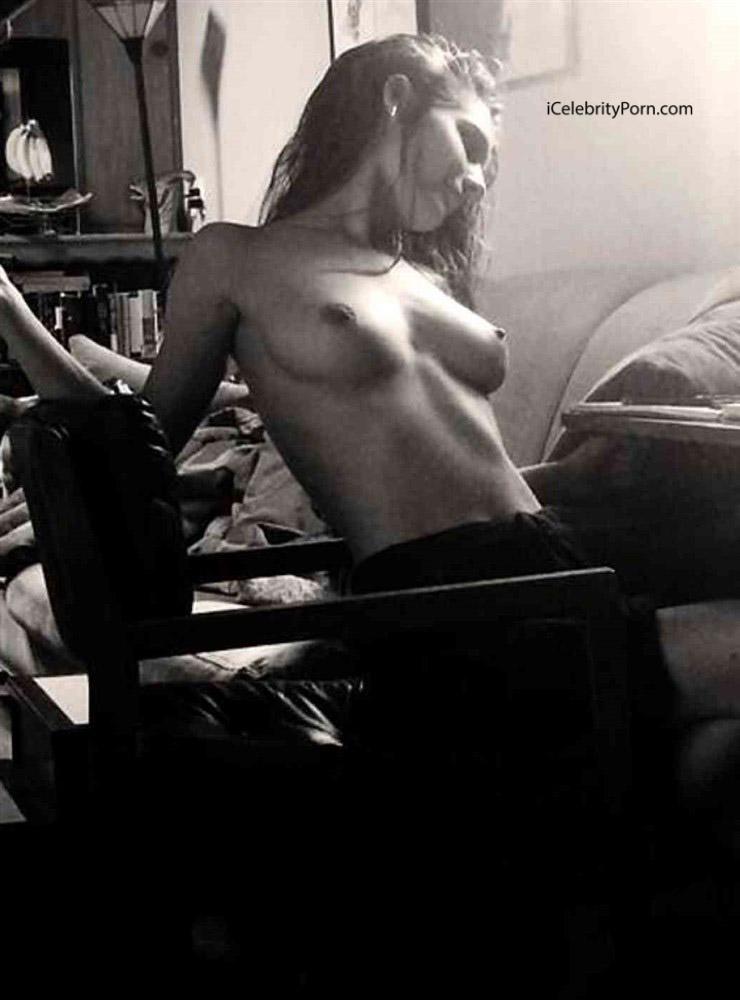 Fotos porno muy calientes -  Actriz Caitlin Stasey gozando -  Caitlin Stasey xxx