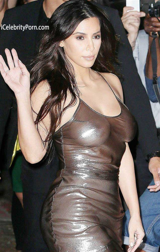 Pechos de Kim Kardashian -fotos-xxx-filtradas-trasero-follando-video-porno