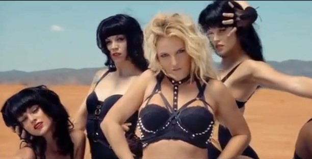 Britney Spears xxx video porno-cantantes-desnudas-descuidos